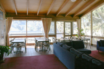 Thredbo YHA : Dining area in the Thredbo hostel in Australia