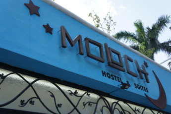 Cancún - Hostel Moloch : Exterior of the Hostel Moloch in Mexico