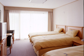 Busan - Busan YH Arpina : Superior triple room facilities in the Busan YH Arpina hostel in South Korea