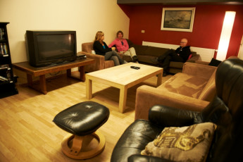 Borgarnes : TV and Lounge Area in Borgarnes Hostel, Iceland