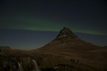 Grundarfjörður : Blick auf Nordlichter von Grundarfjorour Hostel, Island