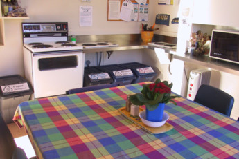 YHA Oamaru : Kitchen in Oamaru Hostel, New Zealand