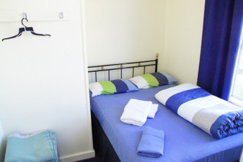 YHA Oamaru : Double Bedroom in Oamaru Hostel, New Zealand