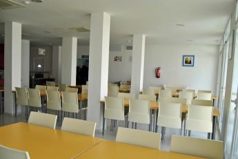 Albergue Inturjoven Jerez de la Frontera : Dining Area in Albergue Inturjoven Jerez Hostel, Spain