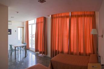 Albergue Inturjoven Jerez de la Frontera : Twin Room in Hostel HOSTEL Inturjoven Jerez, Spain
