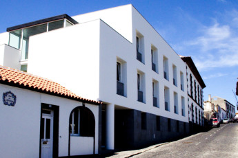 Azores - S.Maria Is. - Vila do Porto : Exterior view of the Vila do Porto hostel in Portugal