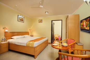 Haridwar - Haridwar YH c/o Sun Hotel : Double room in the Haridwar Hostel in India