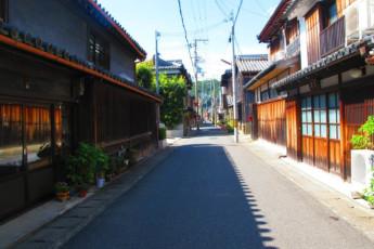 Yuasa - Arida Orange YH : Street near the Arida Orange hostel in Japan