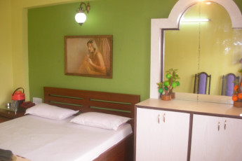 Puri Youth Hostel : Double room of the Puri Youth Hostel in India