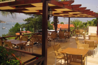 Fethiye - V-GO's Hotel & Guesthouse : Terrace at the V GOs Hotel and Guesthouse in Turkey