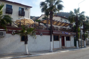 Fethiye - V-GO's Hotel & Guesthouse : Exterior in the V GOs Hotel and Guesthouse in Turkey