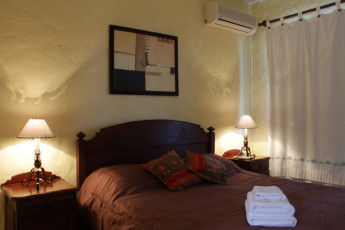 Colonia - El Viajero Hostel & Suites : Double Bedroom in Colonia - El Viajero Hostel and Suites, Uruguay