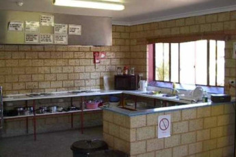 Kalgoorlie YHA : Kitchen in the Kalgoorlie Hostel in Australia