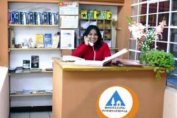 Cusco - HI Maison de la Jeunesse : Reception Desk in Cusco - Maison de la Jeunesse, Peru