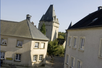 Hollenfels : Blick von außen in Hollenfels Hostel, Luxemburg