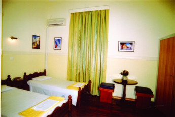 Athens - Hotel Lozanni : Twin Room in Athens - Hotel Lozanni Hostel, Greece