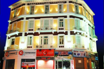 Athens - Hotel Lozanni : Exterior View of Athens - Hotel Lozanni Hostel, Greece in the Evening