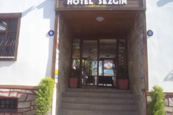 Sezgins Guesthouse - Kusadasi : Front Exterior View of Sezgins Guesthouse - Kusadasi Hostel, Turkey