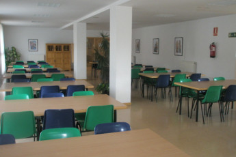 Soria - Antonio Machado R.J. : Dining room in the Antonio Machado hostel in Spain