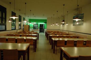 El Masnou - Josep M Batista : Dining room in the El Masnou Josep M Batista hostel in spain