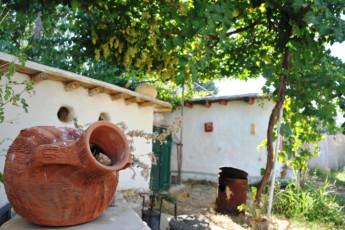 Tanaïl -Ecolodge Tanaïl : Garden Feature at Tanail -Ecolodge Tanail Hostel, Lebanon
