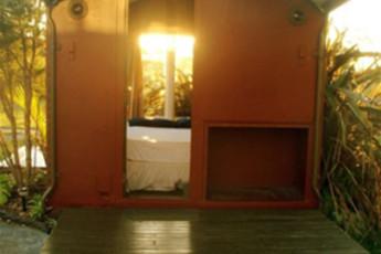 YHA Raglan : Exterior View of Raglan YHA - Solscape Eco Retreat Hostel, New Zealand