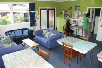 YHA Kinloch - Glenorchy : Lounge and Dining Area in Kinloch Lodge Hostel, New Zealand