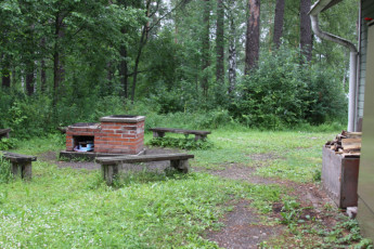 Lappeenranta - Huhtiniemi : Garden and Barbecue Area at Lappeenranta - Huhtiniemi Hostel, Finland