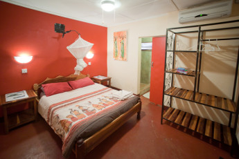 Jollyboys Backpackers & Camp : Double Ensuite Room in Jollyboys Backpackers and Camp Hostel, Zambia