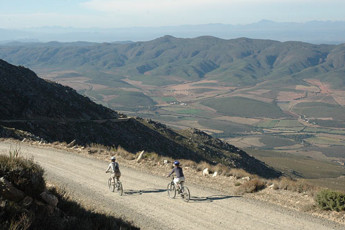 Oudtshoorn - Backpacker's Paradise : Cycling Through the Landscape Local to Oudtshoorn - Backpacker's Paradise Hostel, South Africa