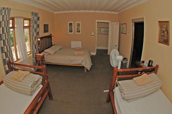 Oudtshoorn - Backpacker's Paradise : Family Room in Oudtshoorn - Backpacker's Paradise Hostel, South Africa