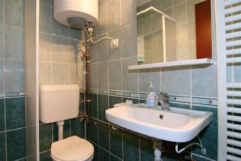 Brasov - Hostel Mara : Bathroom in Brasov - Hostel Mara, Romania