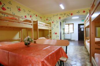 Brasov - Hostel Mara : Dorm Room in Brasov - Hostel Mara, Romania