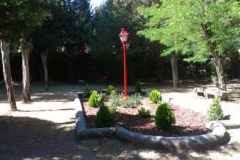 San Rafael - San Rafael : Garden in San Rafael Hostel, Spain