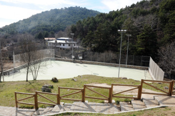 Cercedilla - Villa Castora : Exterior View and Sports Court at Cercedilla - Villa Castora Hostel, Spain