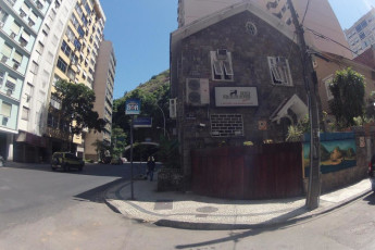 Rio De Janeiro – Rio Rockers Hostel : Outside view of the River Synth Hostel in Brazil