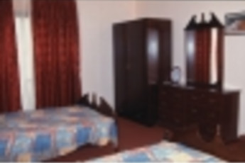 Zefta - Pines Hostel : Twin Room in Zefta - Pines Hostel, Liban