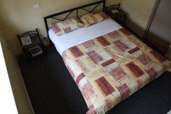 Hobart - Montgomery' s YHA : Double room in the Hobart - Montgomery Hostel in Australia