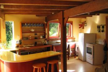 YHA Punakaiki : Kitchen Area in the Punakaiki Hostel in New Zealand