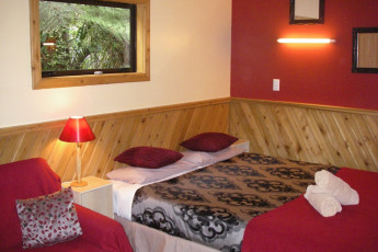 YHA Punakaiki : Double Bedroom in Punakaiki Youth Hostel Association, New Zealand