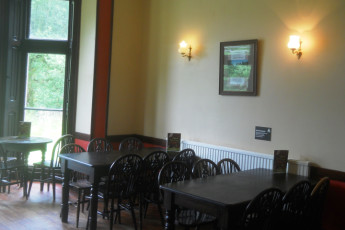 YHA Snowdon Bryn Gwynant : Dining room in the YHA Bryn Gwynant hostel in England