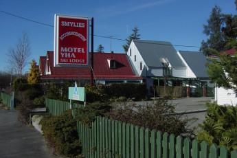 YHA-Springfield : Exterior View of Springfield Hostel, New Zealand