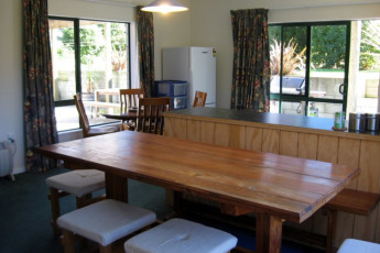 YHA Anakiwa : Kitchen in the Anakiwa Lodge Hostel in New Zealand
