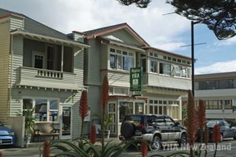 YHA Napier : Exterior of the Napier YHA hostel in New Zealand