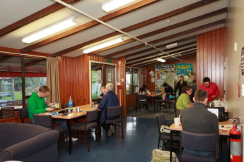 YHA Te Anau : Dining room in the Te Anau Hostel in New Zealand