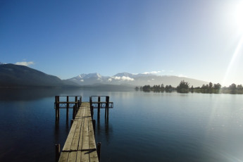 YHA Te Anau : Lake near Te Anau Hostel in New Zealand