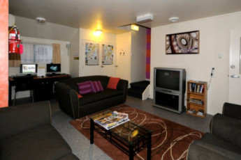 YHA Hamilton : Lounge at the Hamilton Microtel Hostel, New Zealand
