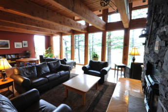 HI - Canmore : Lounge in the Canmore hostel in Canada