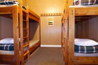 HI - Canmore : Dorm room in the Canmore hostel in Canada