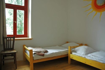 Balaton Révfülöp - Hullám Hostel : Twin room in the Hullam Hostel in Hungary